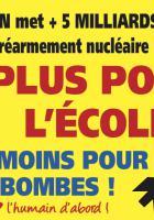 Autocollant « Plus pour l'école, moins pour les bombes ! » - PCF Oise, 7 avril 2018